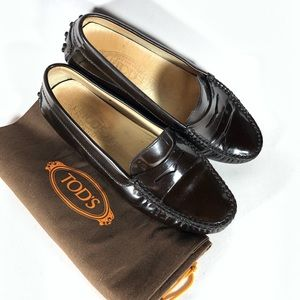 Tods Brown Patent Leather Driving Moccasin Loafer